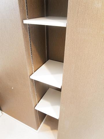 リベルテ西五反田 サニタリールーム 棚