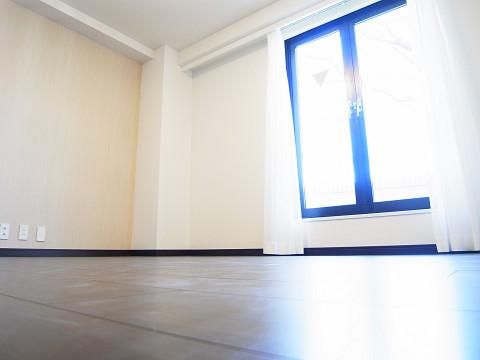 イースタンホームズ若林 洋室