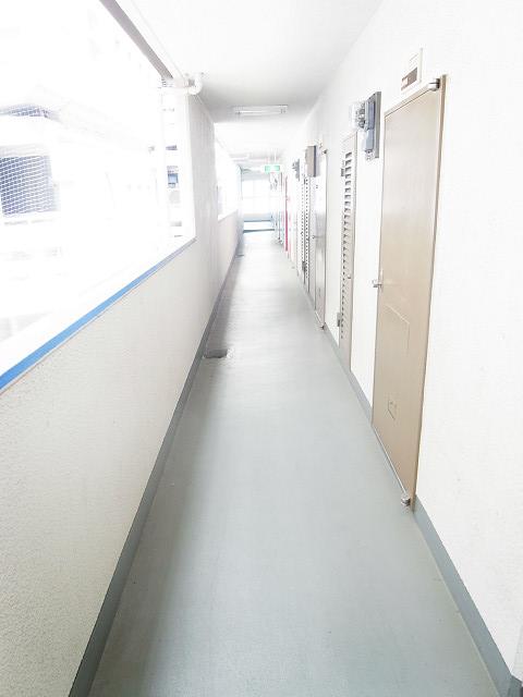 新宿フラワーハイホーム 外廊下