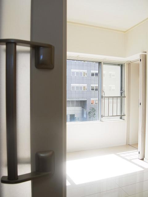 新宿フラワーハイホーム 洋室