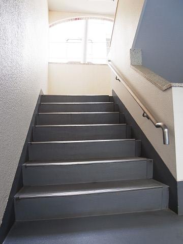 上馬シティホーム 階段