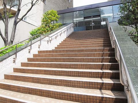 本郷ハウス 階段