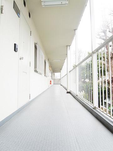 パイロットハウス北新宿 外廊下