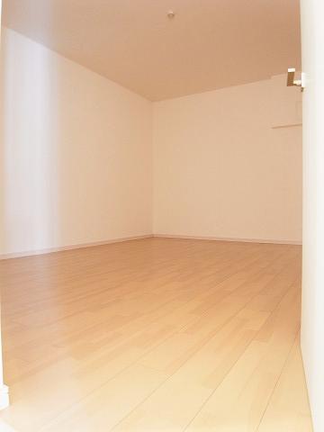 クレール豪徳寺 洋室