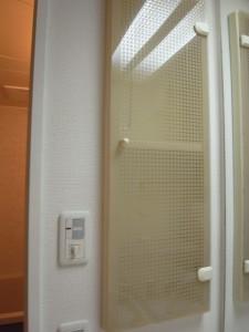 エクセルシオール麻布 洗面台横の収納
