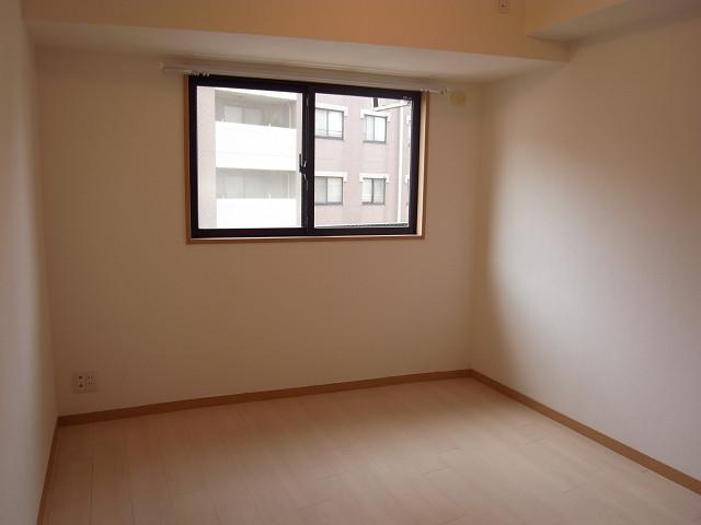 エクセルシオール麻布 約4.9帖の洋室