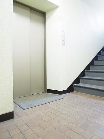 ヴィラロイヤル代々木 エレベーターホール