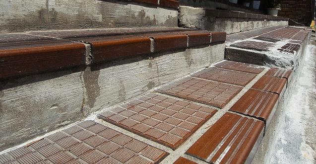 メゾンボア 階段