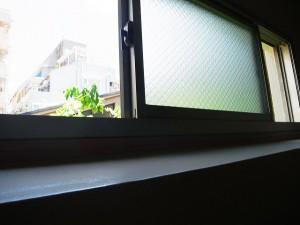 メゾンボア 階段窓