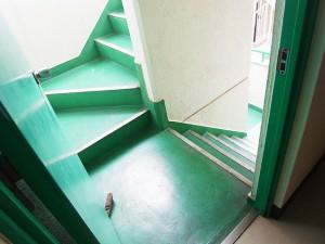 ライオンズマンショングリーン白金 外階段
