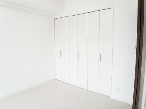 ディナ・スカーラ新宿  洋室2クローゼット