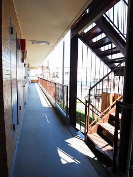 ライオンズマンション学芸大学 外廊下