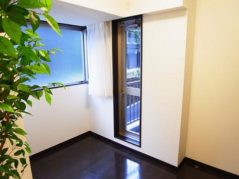 アールヴェール新宿弁天町 洋室2