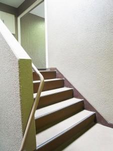 マートルコート新宿ガーデンハウス 階段