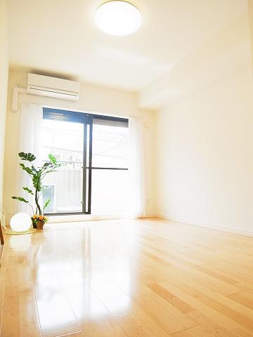 マートルコート新宿ガーデンハウス 洋室1