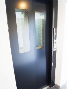 ビバリーホームズ目黒鷹番 エレベーター