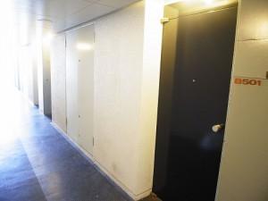 ビラ・モデルナ 玄関