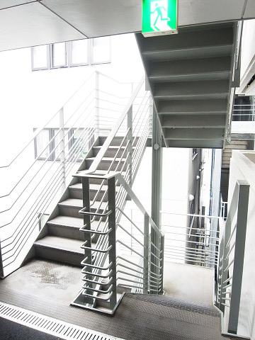 ビラ・モデルナ 階段