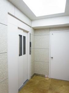 ライオンズ三田  エレベータ―ホール