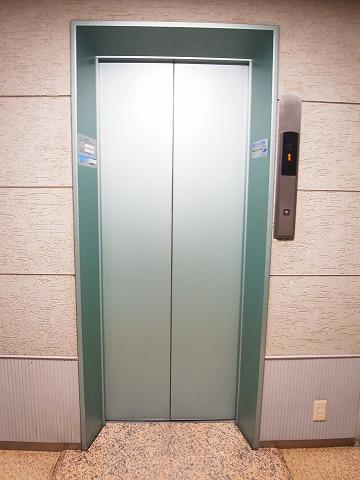シャンボール代々木 エレベーター