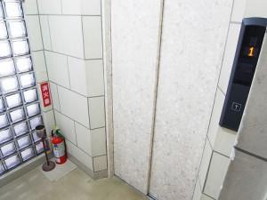 代々木コンド  エレベーター
