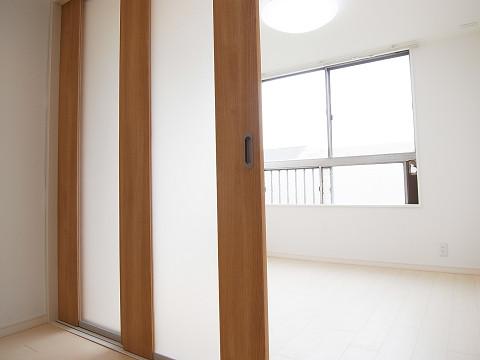 都立大コーポラス 洋室2