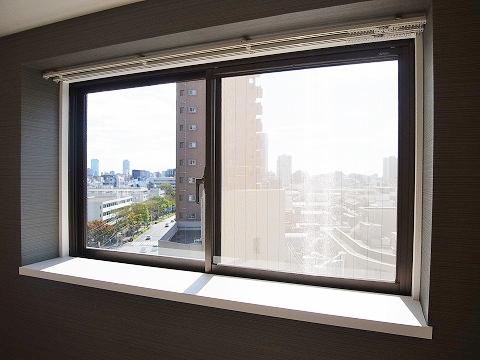 薬王寺ニューハイツ 洋室2 窓