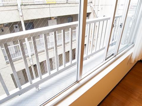 鶴ハイム笹塚 洋室2 窓