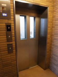 ファミール経堂アンシェール エレベーター