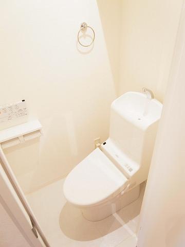 ワールドパレス第三武蔵小山 トイレ