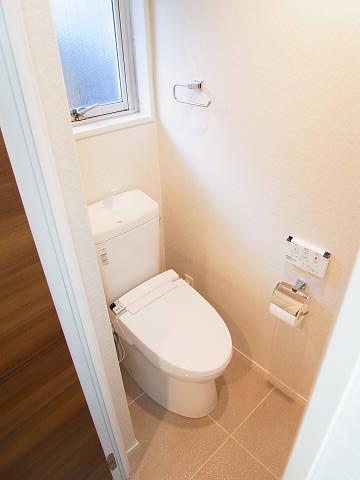 ニューヴィラ三軒茶屋 トイレ
