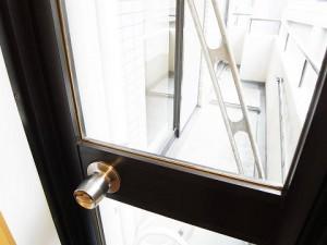 朝日三番町プラザ  洋室1バルコニー窓