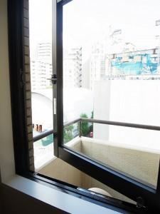 朝日三番町プラザ キッチン窓