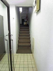 ワールドパレス経堂 内階段