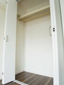 渋谷本町マンション  洋室2収納