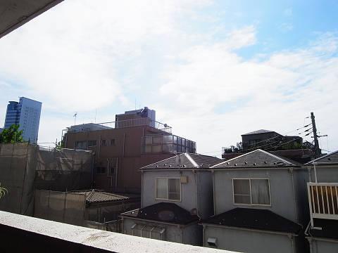 渋谷本町マンション  洋室2眺望
