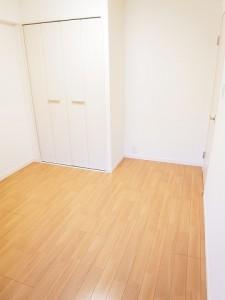 新宿スカイプラザ 洋室2