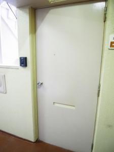 ラインコーポ箱崎 玄関