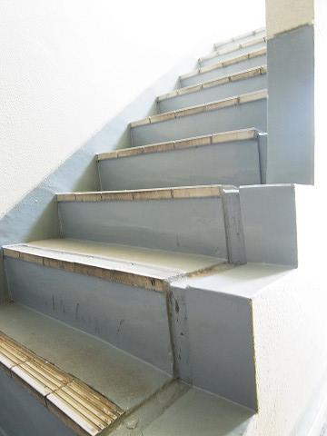 柿の木坂コーポ 階段