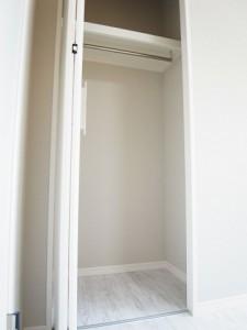 四谷御苑マンション 洋室1収納