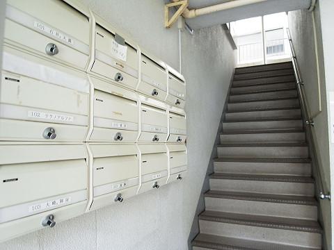 八千代ハイツ 階段