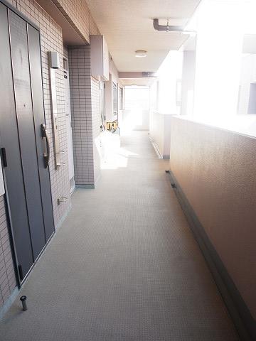 クリオ八幡山壱番館 外廊下