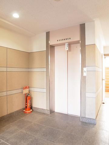 月島ローヤルコーポ エレベーターホール