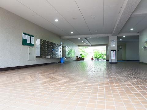 パイロットハウス北新宿 エントランス