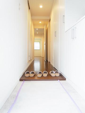 パイロットハウス北新宿 玄関