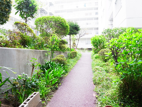 パイロットハウス北新宿 中庭